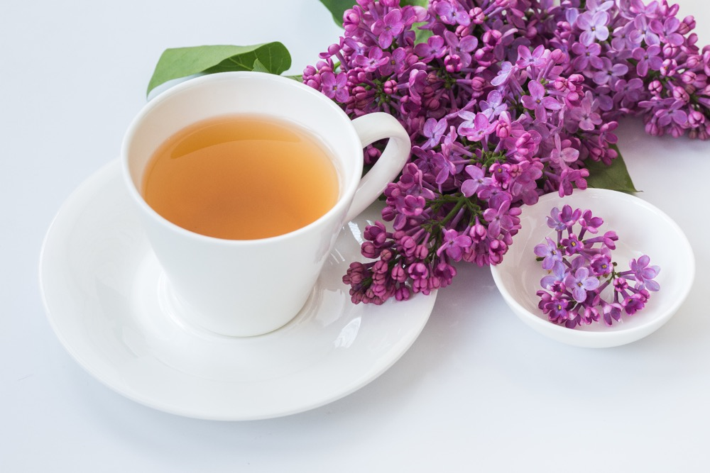 11 Amazing Benefits of Sweet Violet Tea